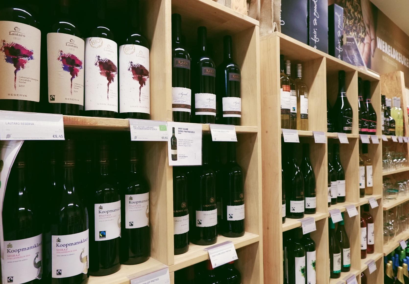 Op eerlijke cadeauzoektocht bij Oxfam Wereldwinkel in Hasselt - wijn