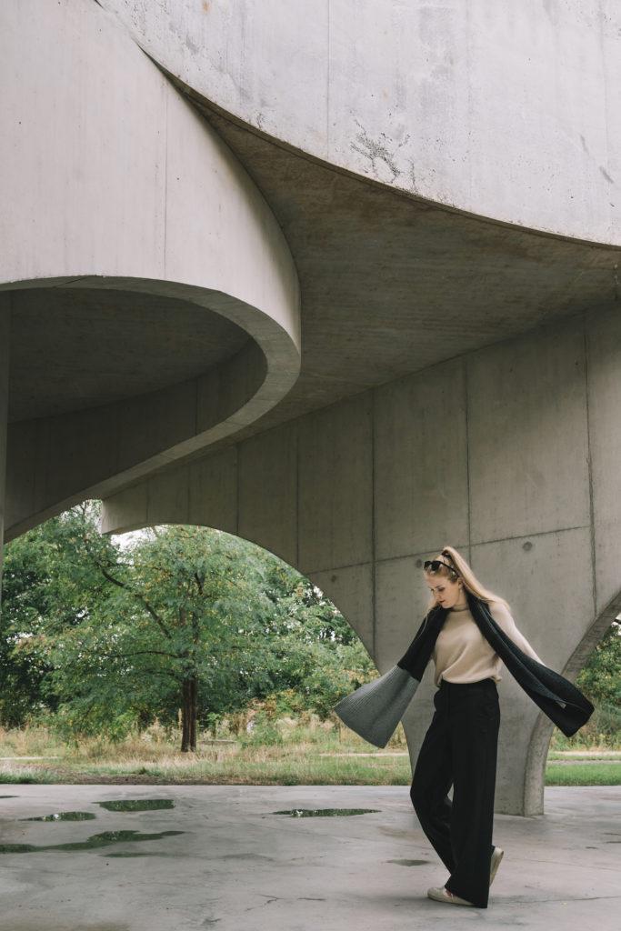 Supergoods outfit met zwarte wijde broek